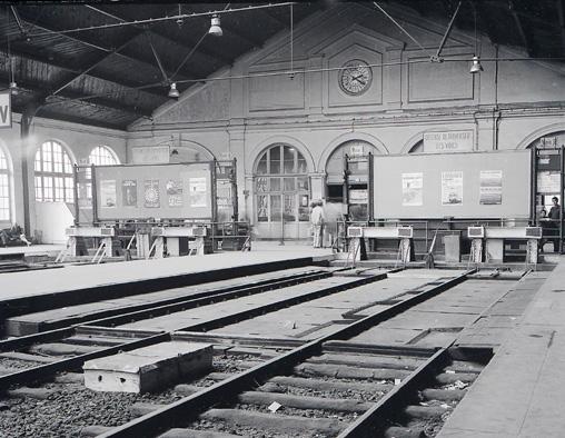 Intérieur de la gare de la Bastille le 25.10.1969 Photo Defrance