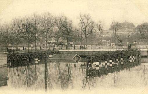 inondations paris 1910 invalides entrée gare