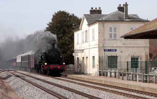 Locomotive à vapeur 141 TB 407 à Pont sur Seine train d'essai du 17 Mars 2010
